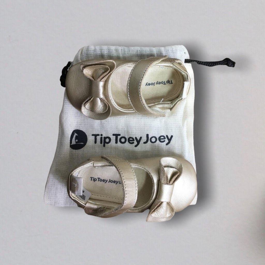 Sapatilha Dourada Tip Toey Joey