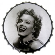 Quadro Tampa de Garrafa de Metal Decorativo Marilyn Monroe Com Suporte (JG035)