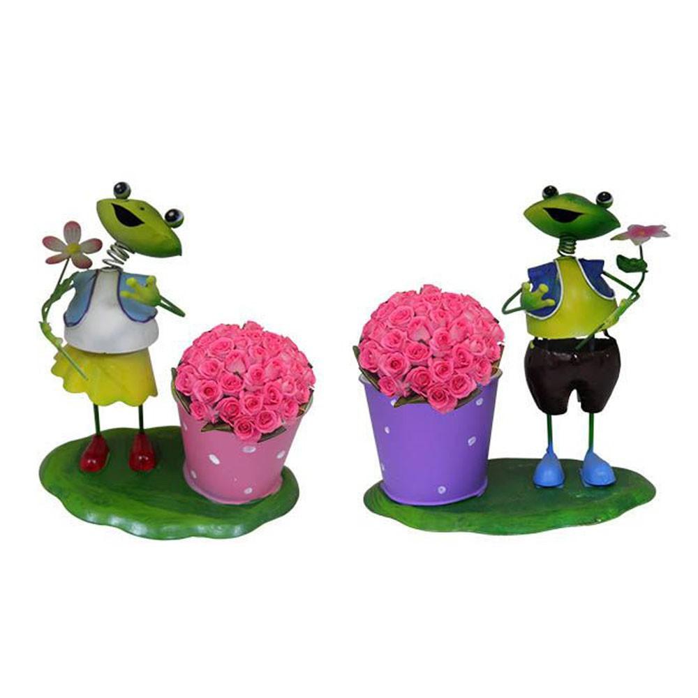 2 Bonecos de ferro Sapo Casal Casa Flores Jardim Balde de Flor Decoracao