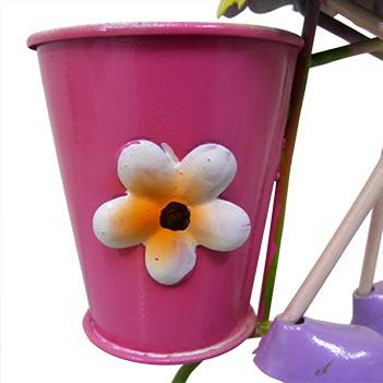 Boneca com Bicicleta de Ferro Para Enfeite e Decoraçao de Jardim (BON-M-13)
