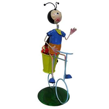 Boneco Joaninha com Bicicleta de Ferro Para Enfeite e Decoraçao de Jardim (BON-M-15)