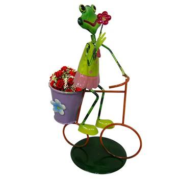 Boneco Sapo com Bicicleta de Ferro Para Enfeite e Decoraçao de Jardim