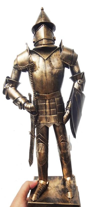 Estatua De Ferro Fundido Guerreiro Medieval Samurai com Espada (CJ-022)