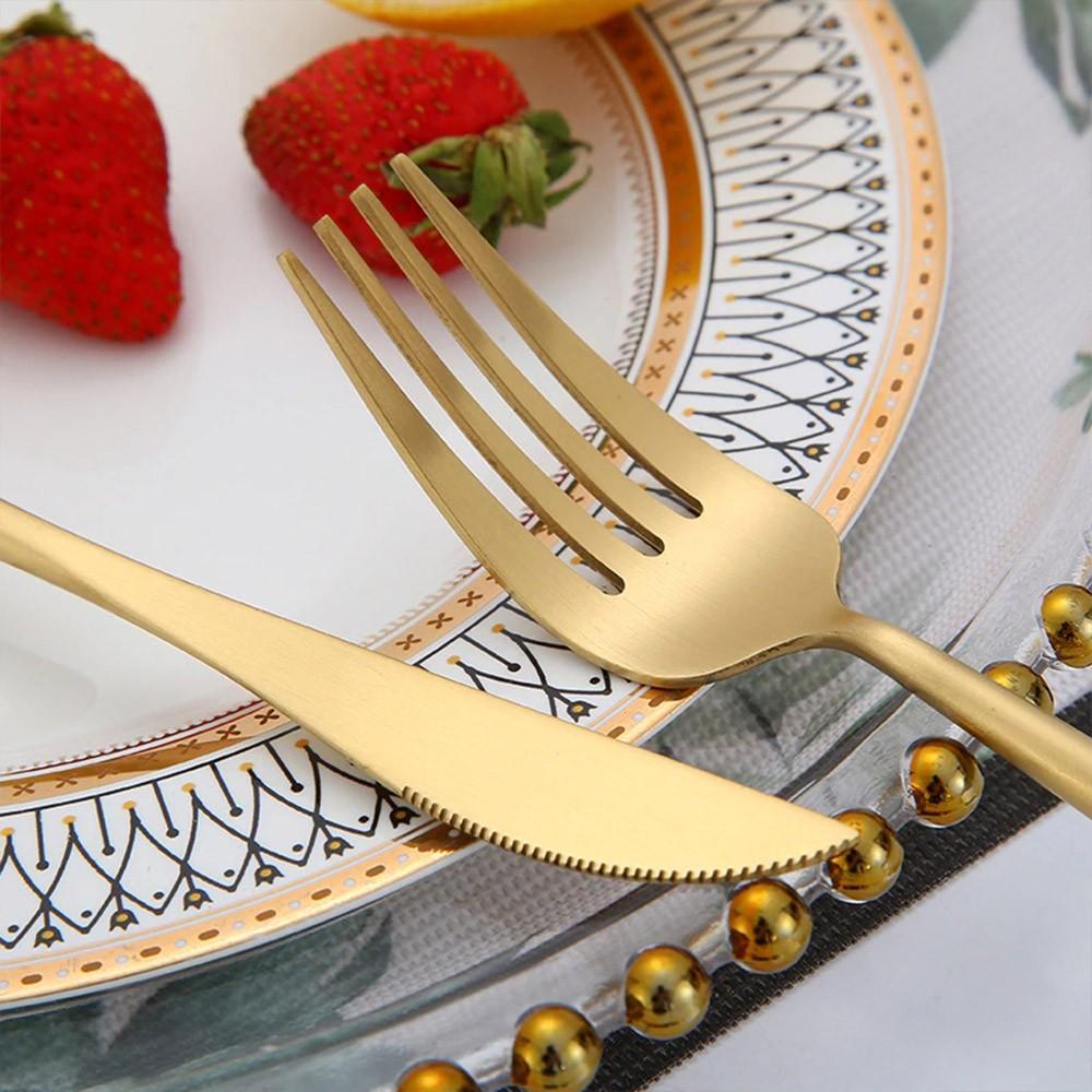 Jogo de Talheres 8 Peças Conjunto Luxo Dourado Colher Garfo Faca Jantar Cozinha Mesa Gourmet