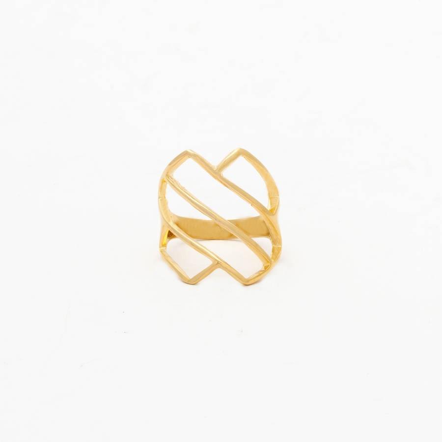 Anel vazado diagonal banhado ouro 18k