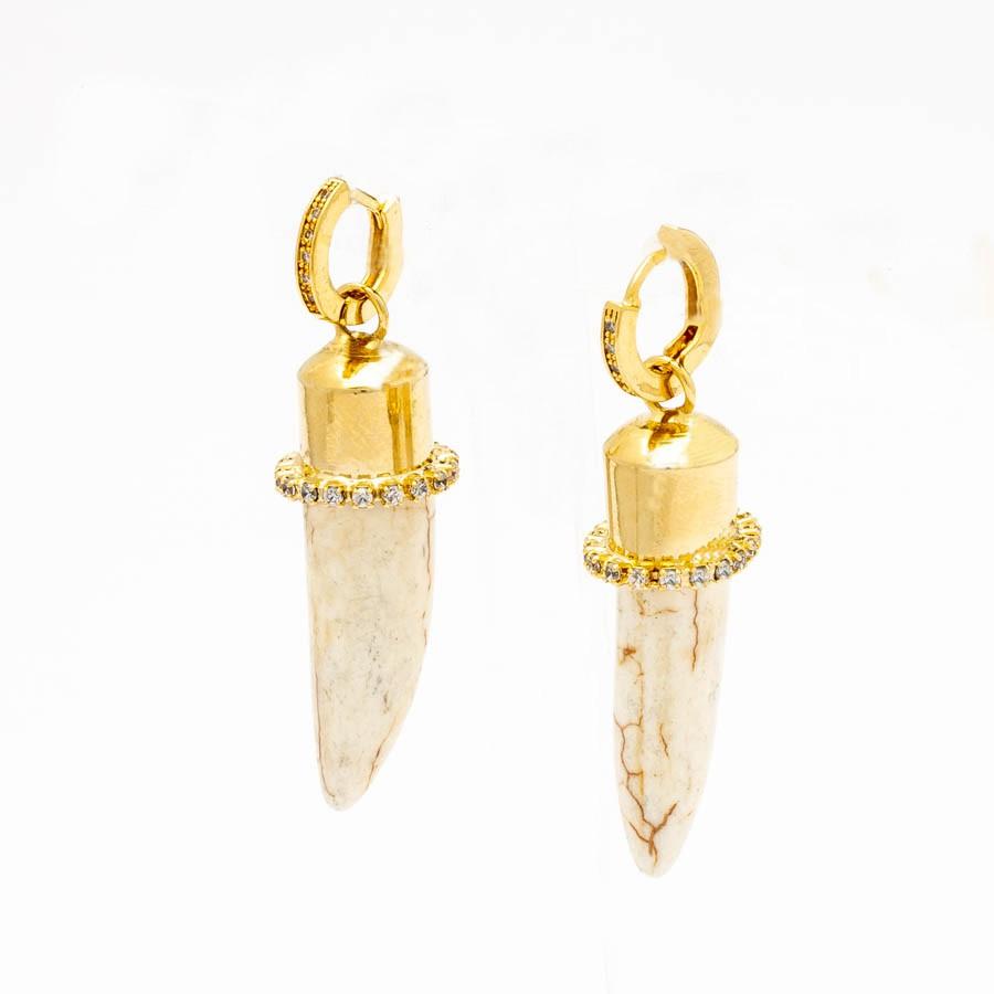 Brinco argolinha de sabre pedra banhado ouro 18 k