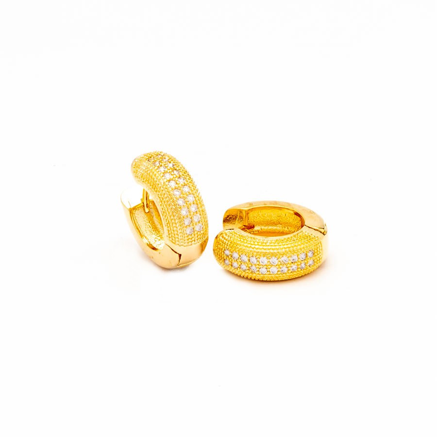 Brinco Clic articulado cravejado largo banhado ouro 18k