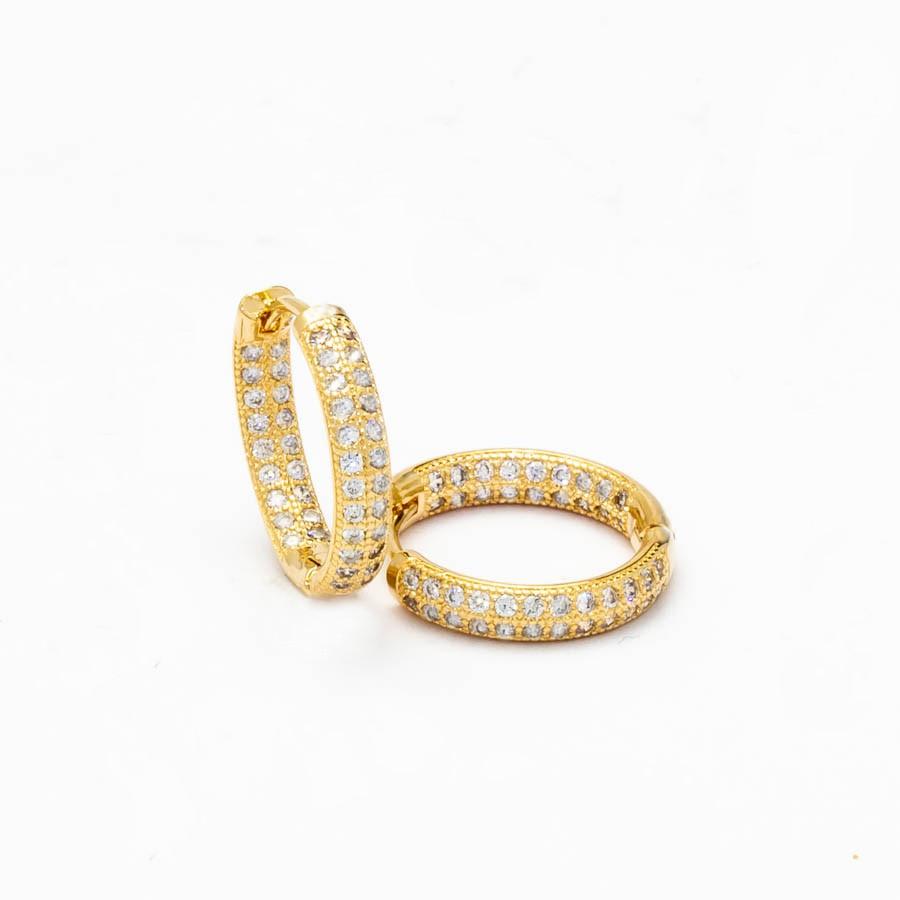Brinco Clic cravejado Zirconia  GG Banhado ouro 18k