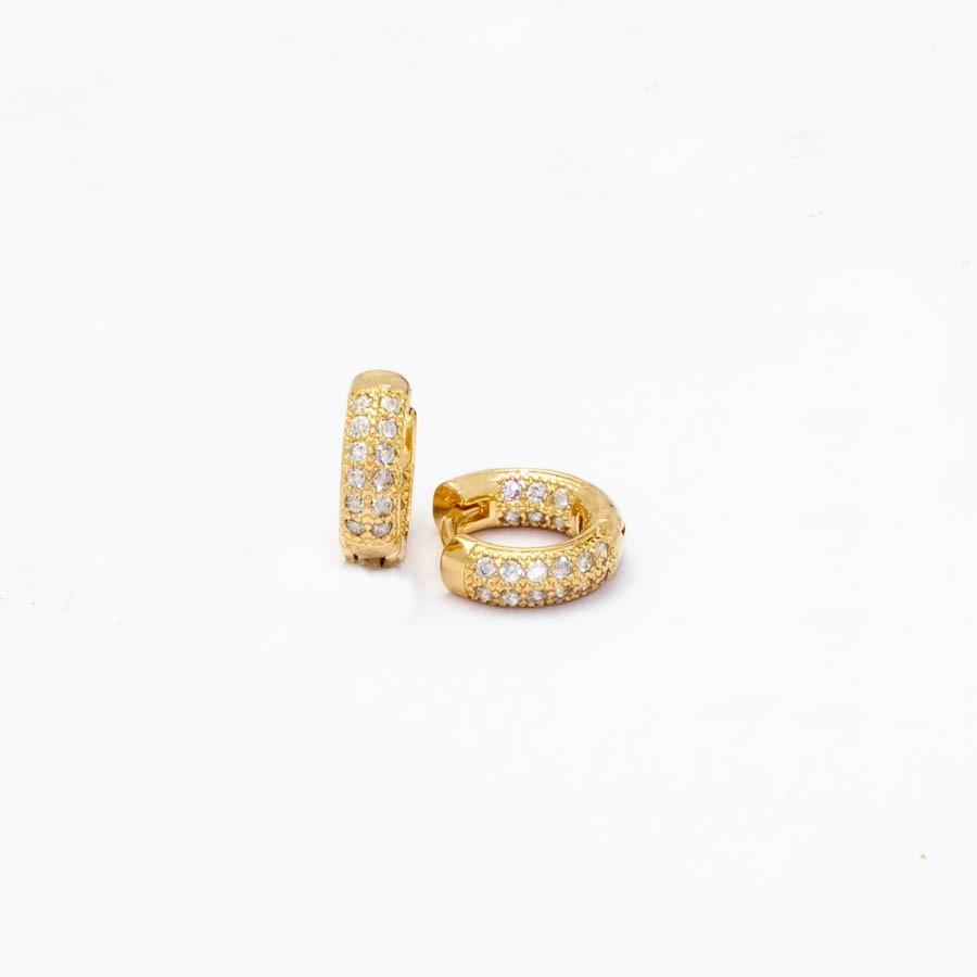 Brinco Clic Cravejado Zirconia  P Banhado ouro 18k