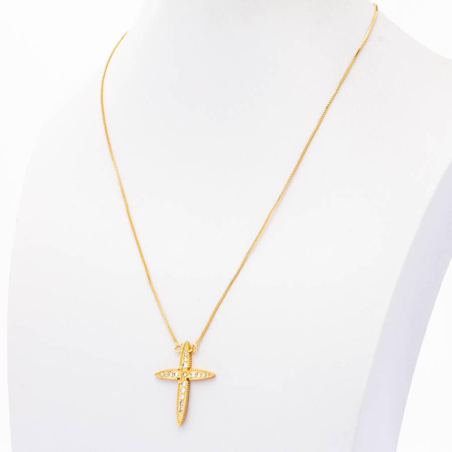 Colar veneziana cruz pequeno Cravejada banhado em ouro 18k
