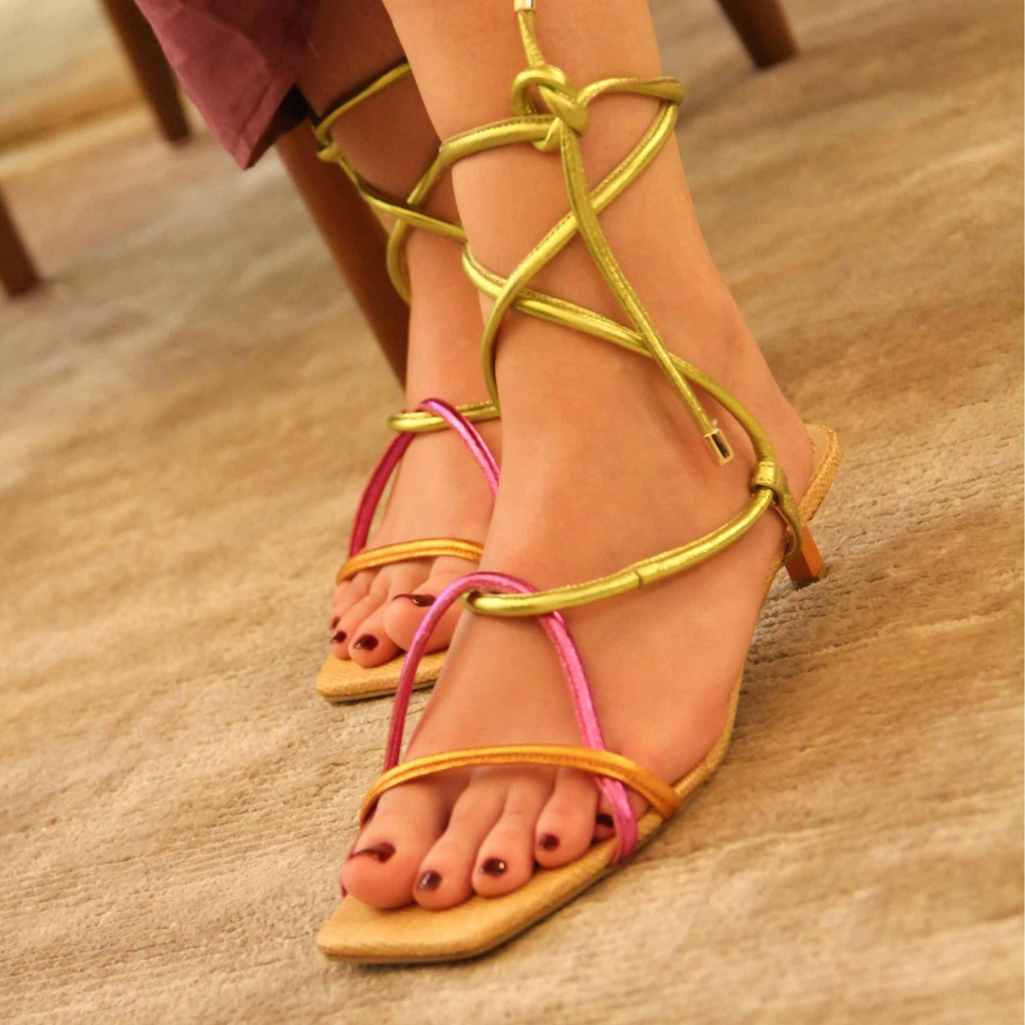 Sandália Salto Baixo Fino Salthz Pink / Amarelo VR 276P-5968