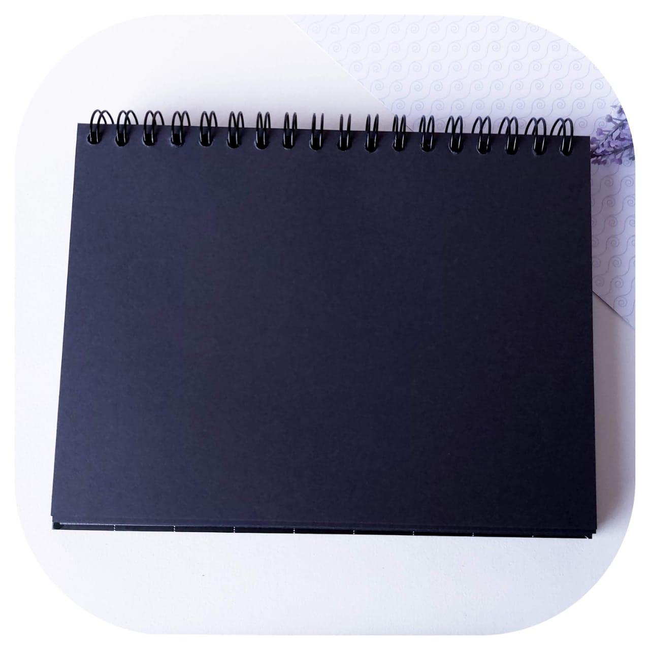 Caderno de Lettering - c/ Folhas Pretas - Fina ideia