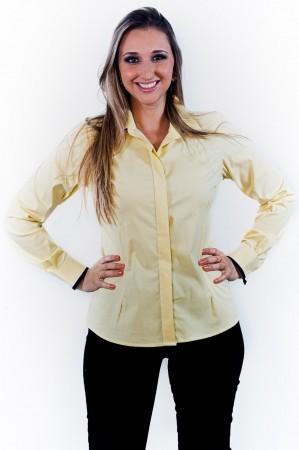 Camisa Feminina Sumaia Mariah, Algodão com elastano, Manga Longa e Abotoamento Escondido - Amarela