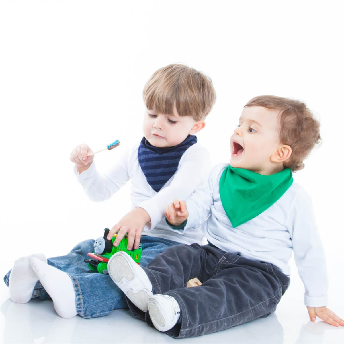 Babador Bandana Gumii Kit 6 Bebe Boy Leve 6 e Pague 5 Oferta