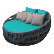 Chaise Noronha