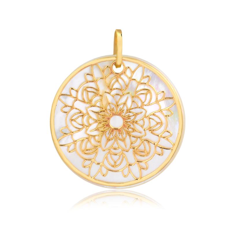 Pingente de Ouro Feminino Mandala na Madre Pérola Ouro 18k