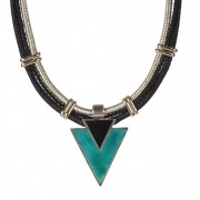 Maxi colar Armazem RR Bijoux triangulo verde
