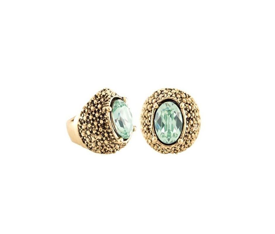 Anel Armazem RR Bijoux ouro velho pedra verde claro