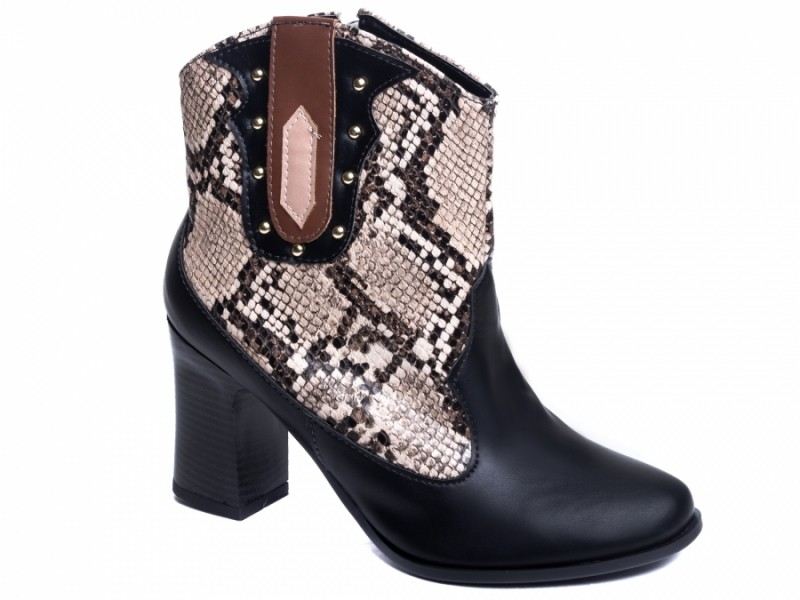 Bota animal print salto bloco