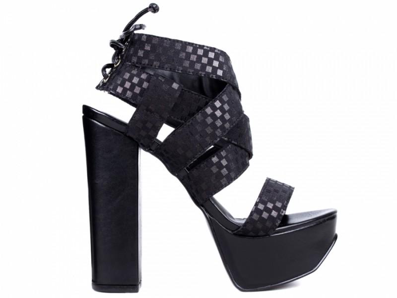Sandalía Meia Pata