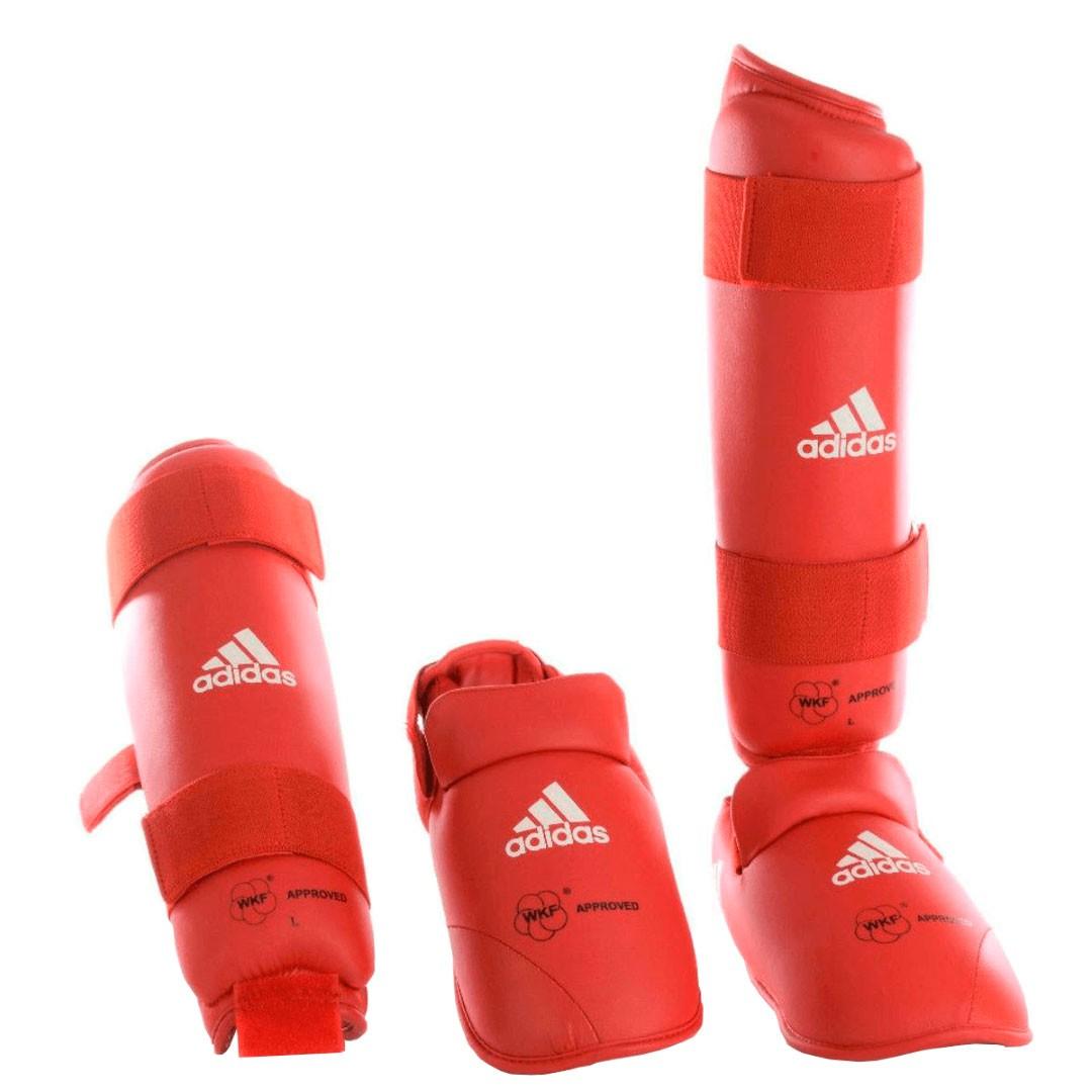 Caneleira Karate Adidas WKF Oficial Com Pé Vermelha