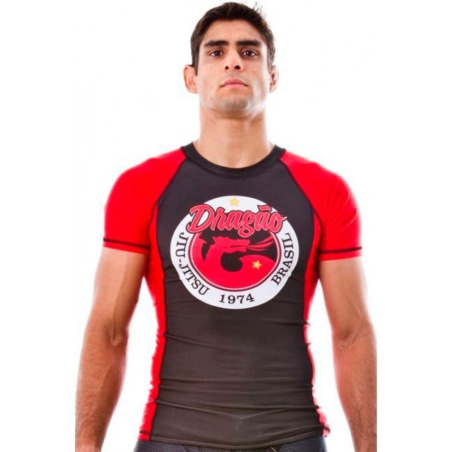 Rash Guard Lycra Dragão Preto  Vermelho Manga Curta Unissex