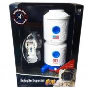 Estação Espacial Com Astronauta - Fun