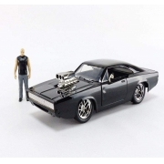 Miniatura Velozes e Furiosos Dom Dodge Charger R/T c/ Figura Dominic Toretto 1/24 - Jada Toys
