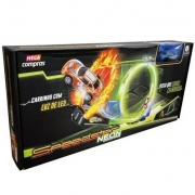 Pista Looping 100cm com Carrinho LED Brilha no Escuro - Polibrinq