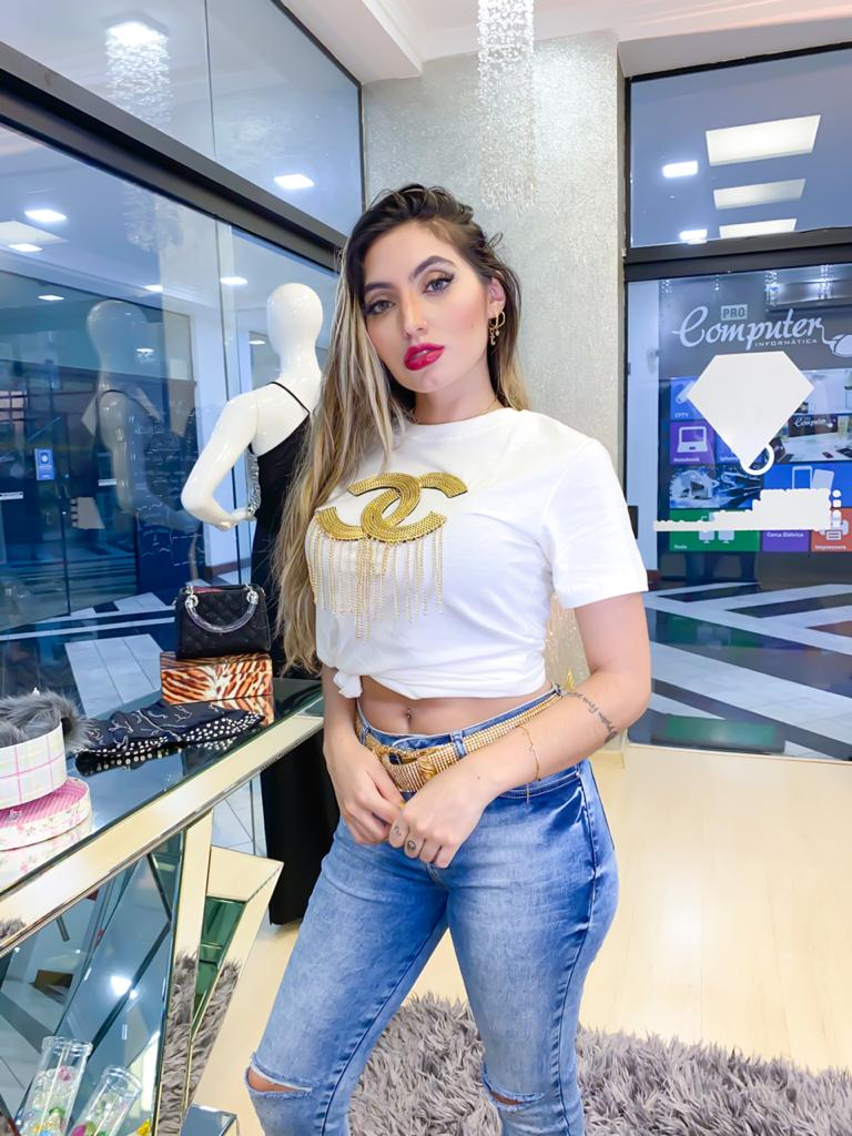 Camiseta Chanel bordada
