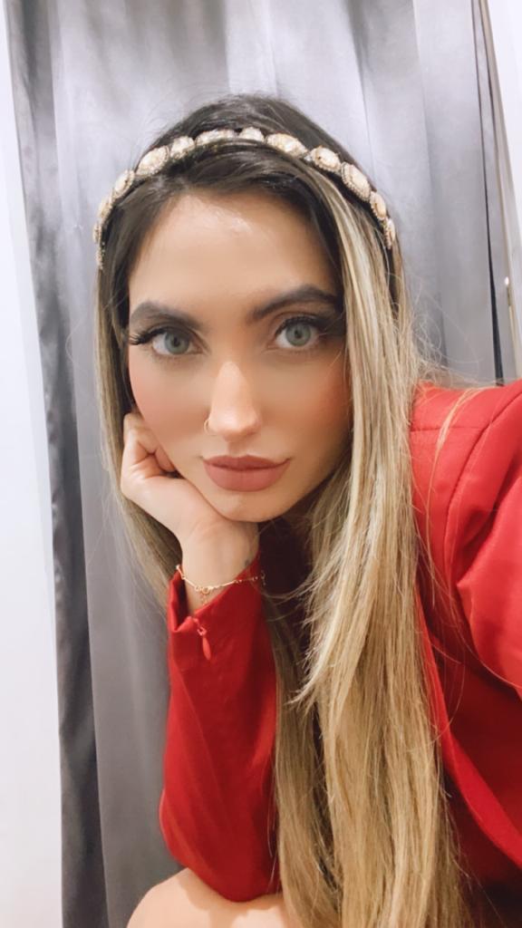 Tiara Ana Lúcia Pedraria com Strass