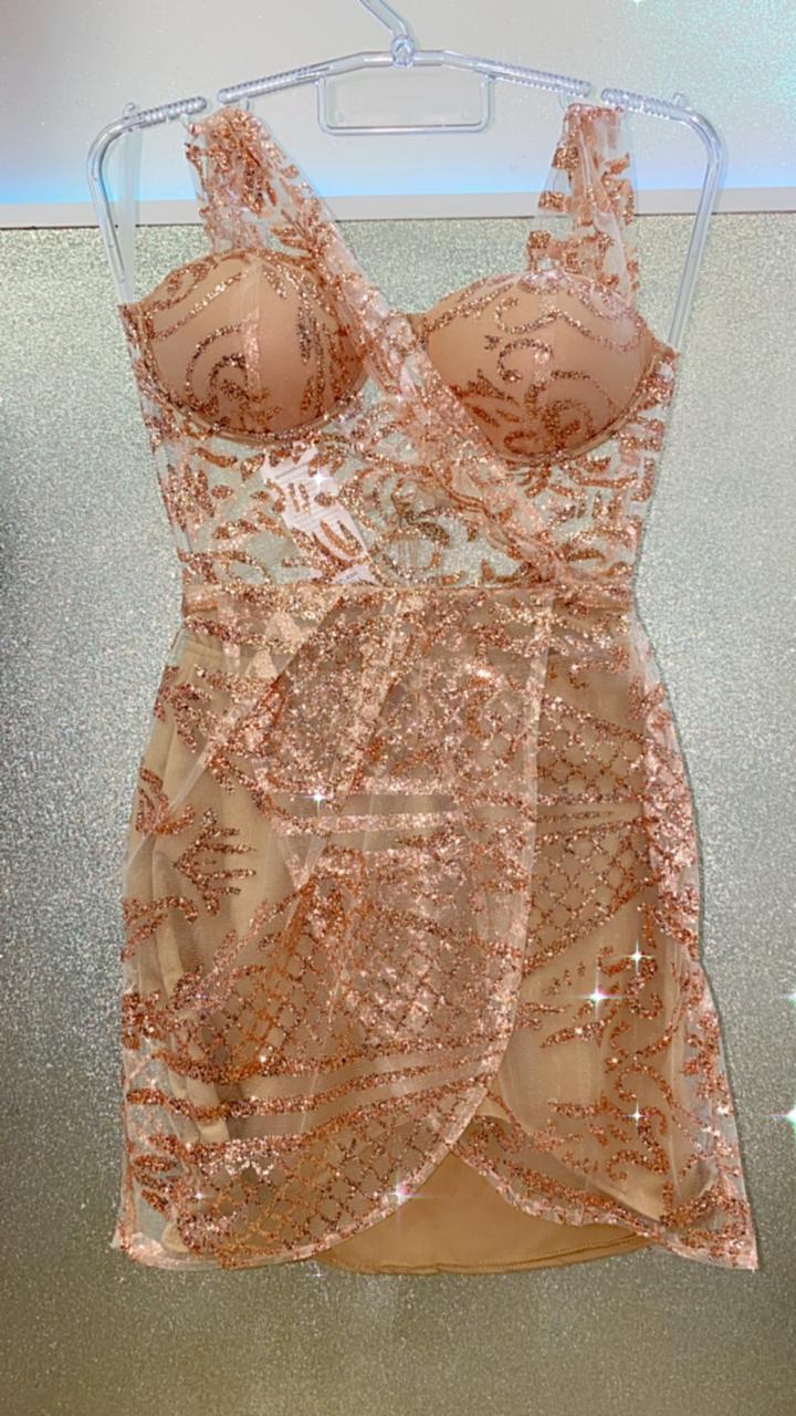 Vestido Glitter Dourado Com Bojo