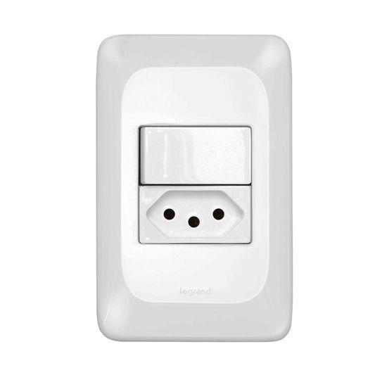 Interruptor Simples +Tomada  2P+T 10A 4X2 - PIAL PoP