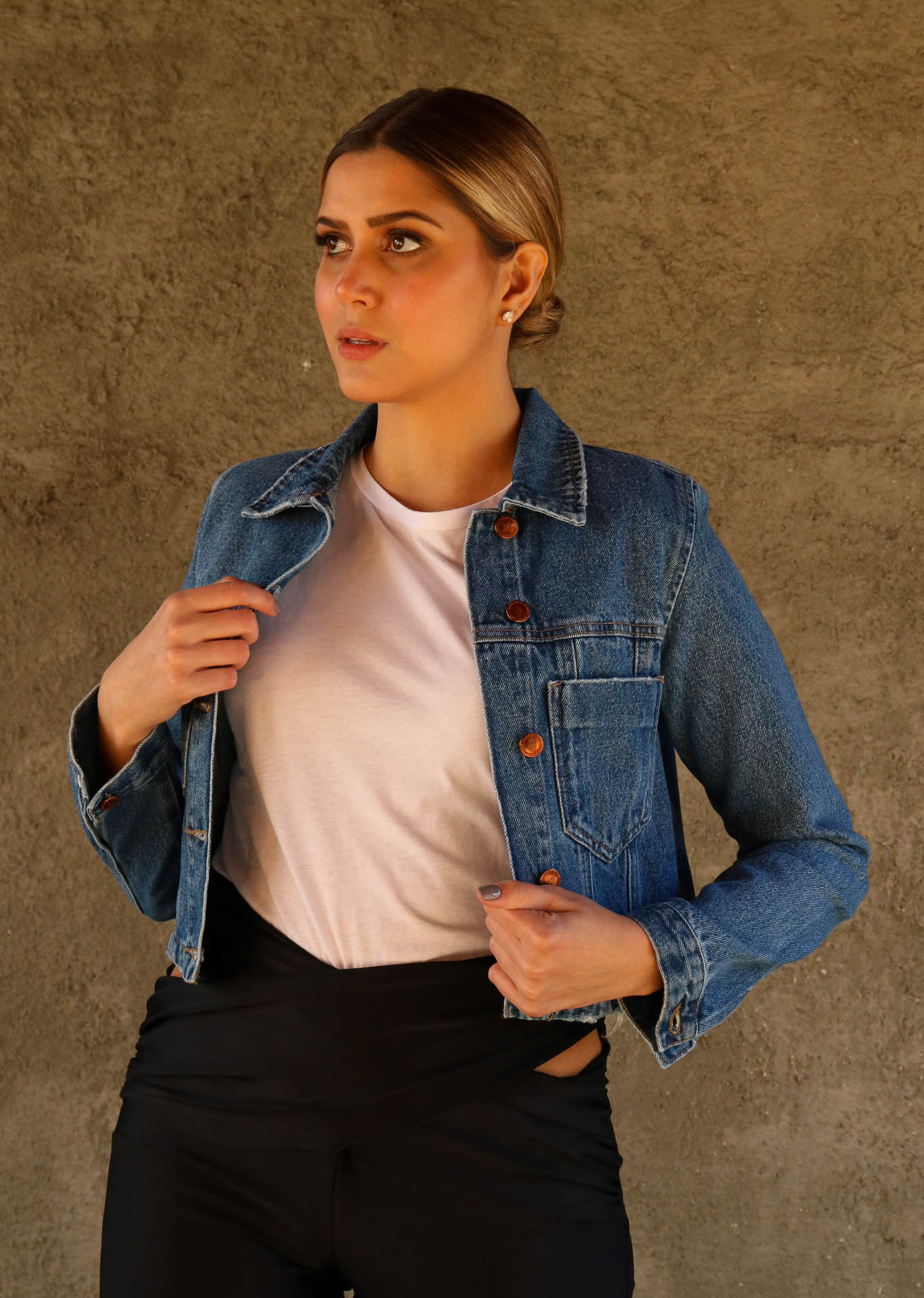 JAQUETA JEANS BOLSO CROPPED