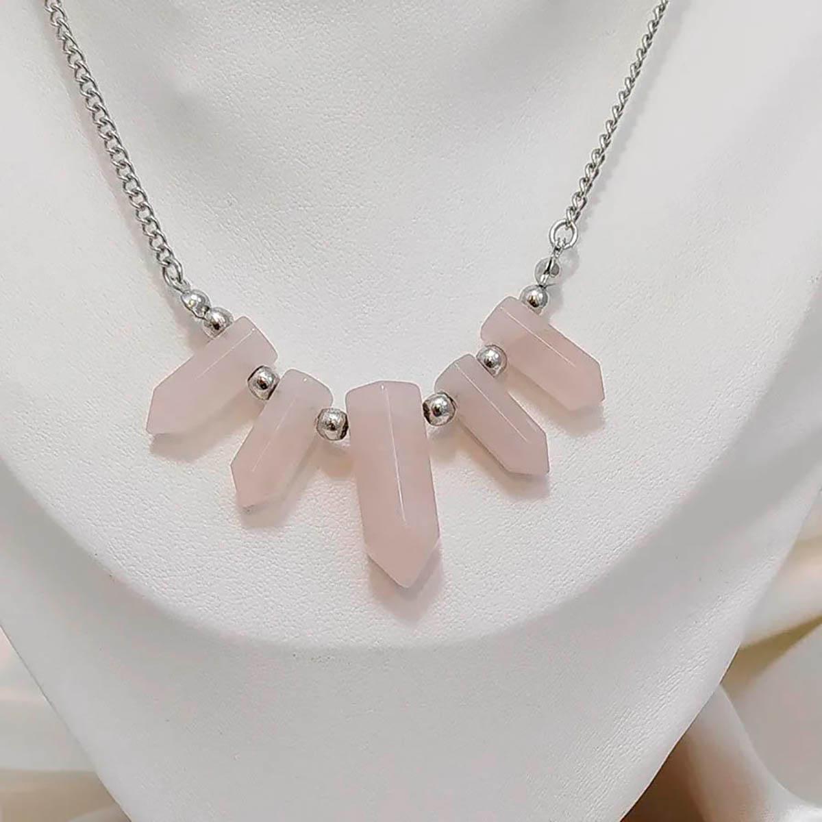 Colar ponta de quartzo rosa