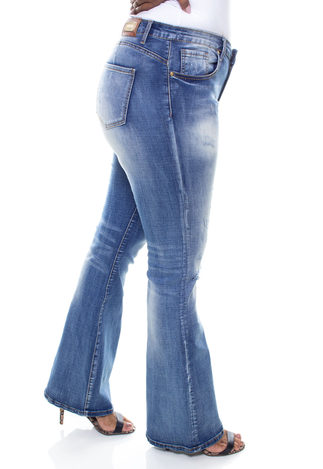 Calça Jeans Feminina Plus Size Flare Crocker - 46407  - CROCKER JEANS