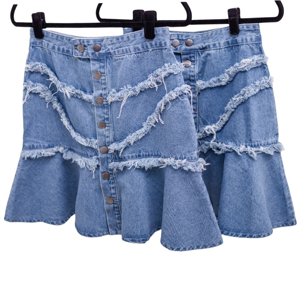 Saia feminina jeans destroed com botões
