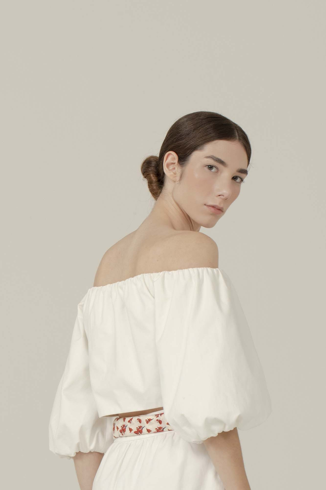BLUSA CROPPED OMBRO A OMBRO OFF-WHITE