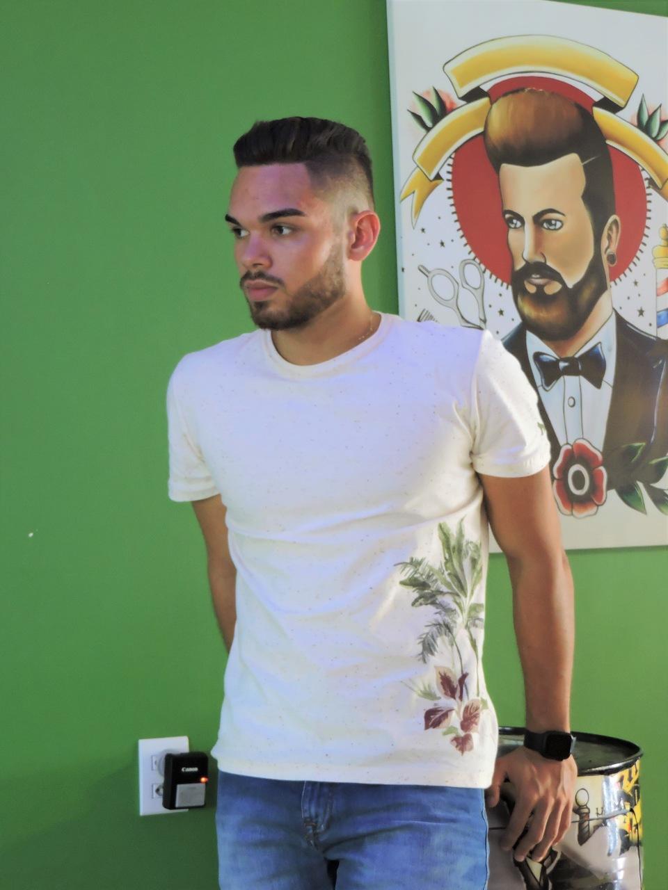 Camiseta Masculina Off White Saara M - Acostamento