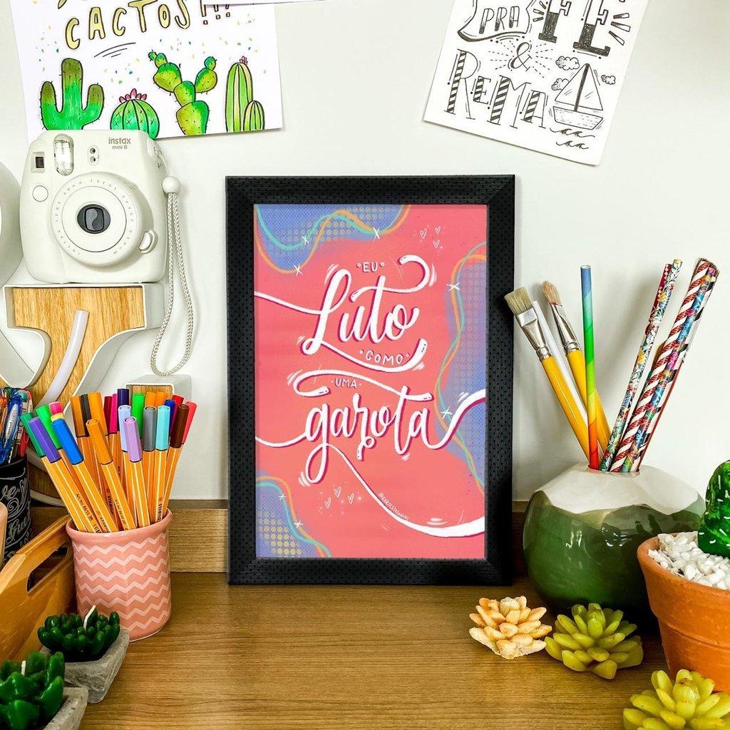 """Print """"Lute como uma garota"""" - A4, 250g/m²"""