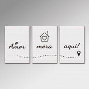 Placa Decorativa - O Amor Mora Aqui