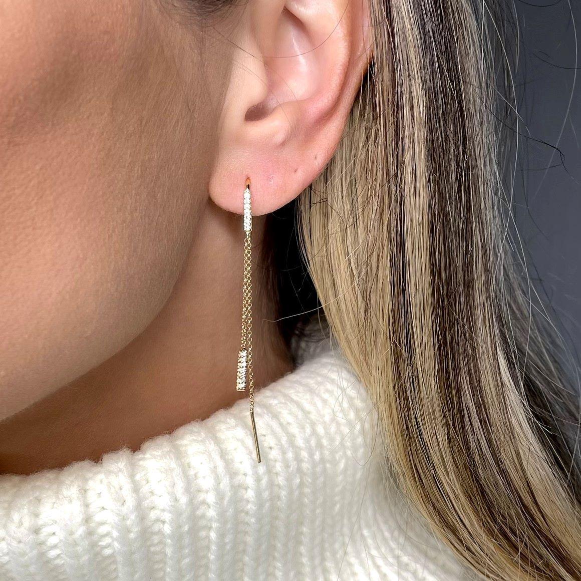 Brinco Corrente Detalhes Zirconias Banho Ouro