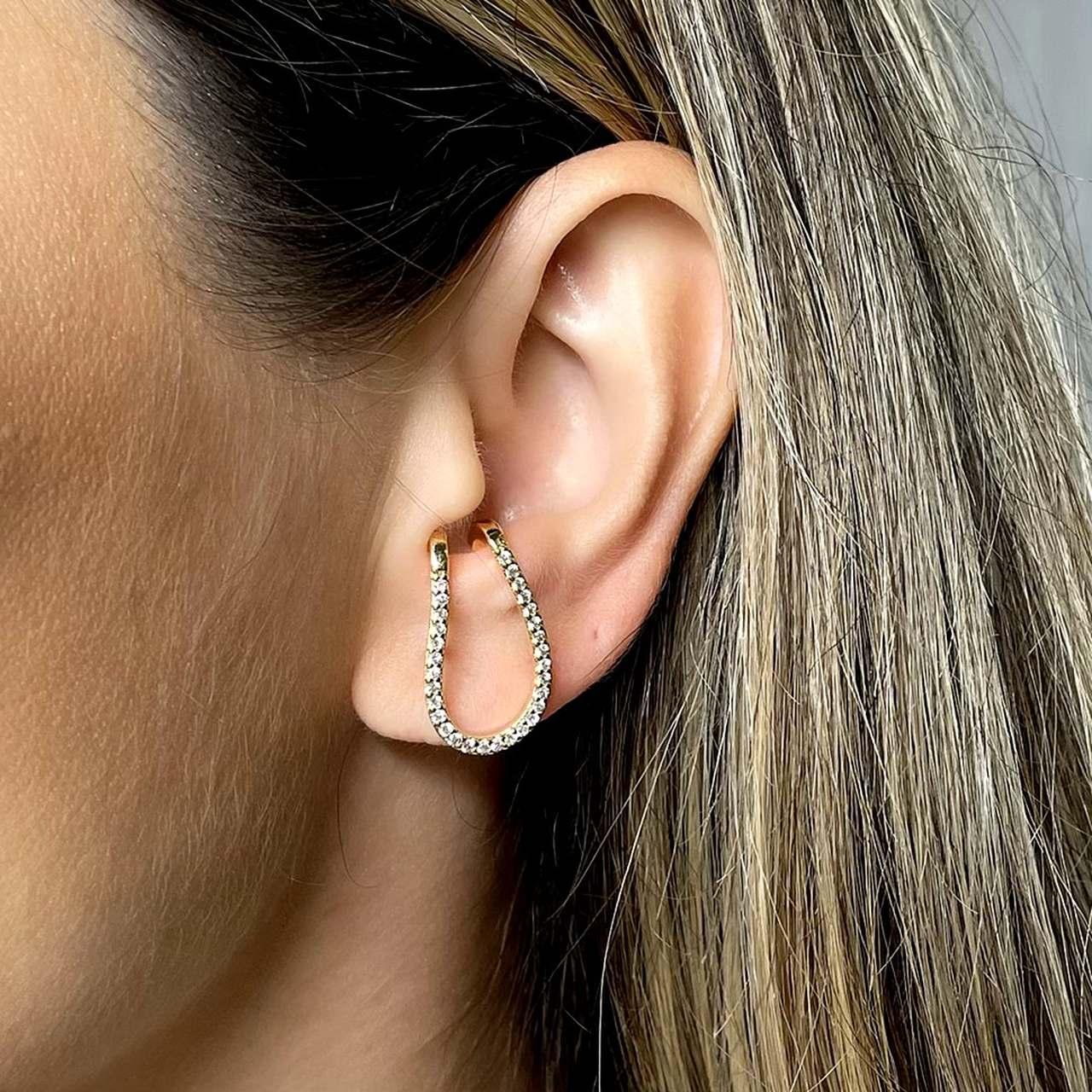 Ear Hook Formato U Cravejado Banho Ouro
