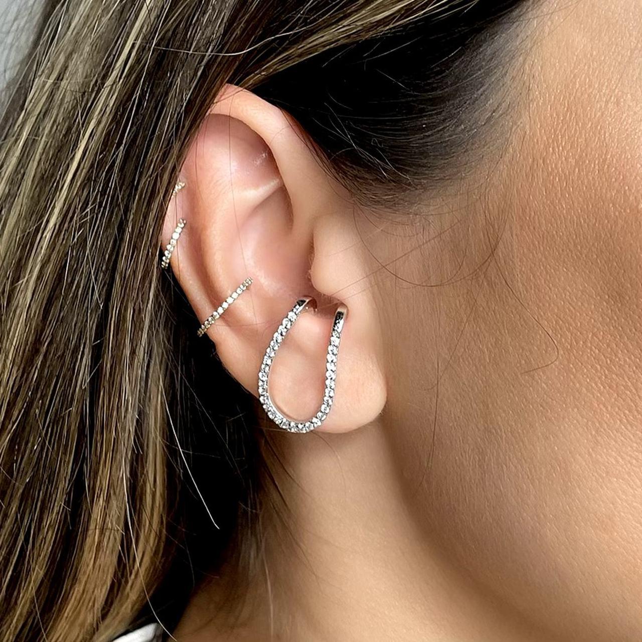 Ear Hook Formato U Cravejado Ródio Branco