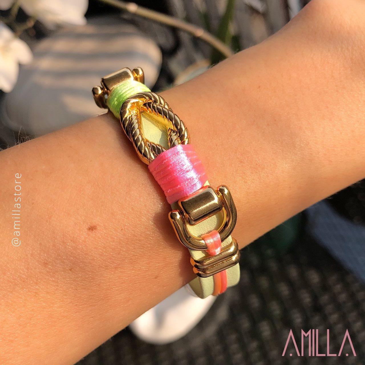 Pulseira Couro Cor Menta, tecido Rosa e Verde Candy Colors Detalhe Trançado Metal Banho Ouro
