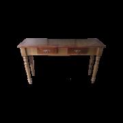 Aparador em madeira maciça com pés torneados
