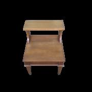 Mesa pra cabeceira com prateleira