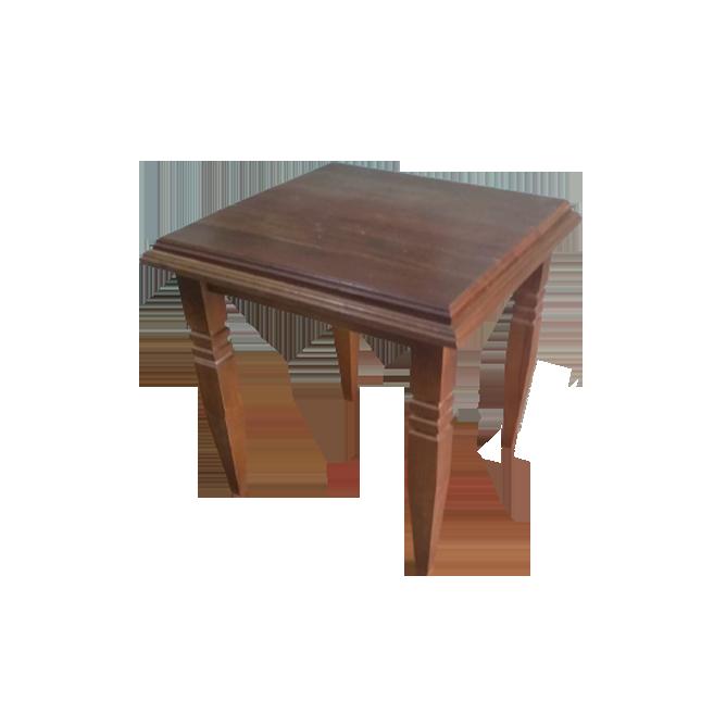 Mesa lateral em madeira com pés torneados