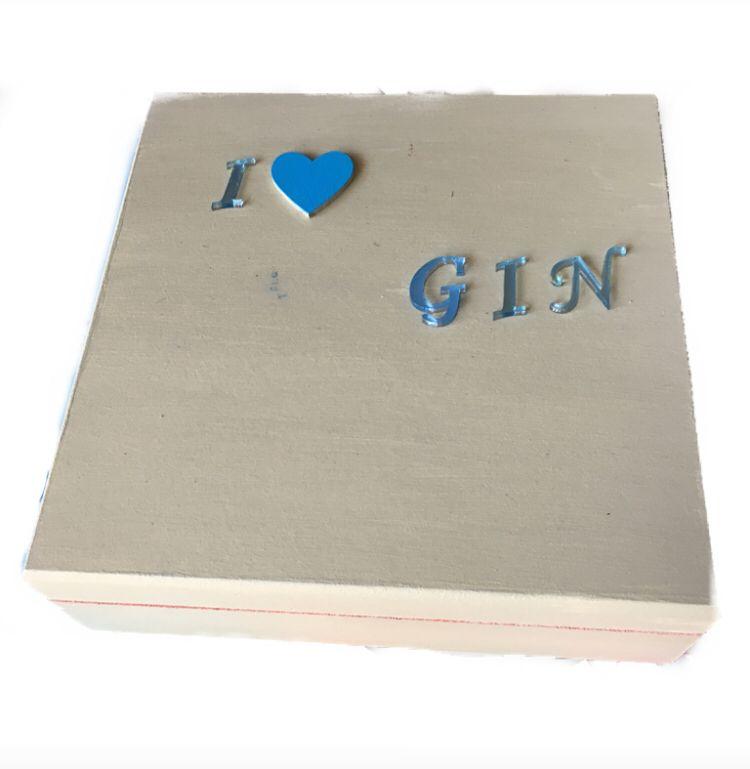 Caixa de Especiarias para Gim Quadrada Letra Espelhada