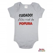 Body Bebê MC (P/M/G) - Cuidado! Alto Nível de Fofura - Barato Bebê - Cinza
